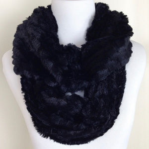 fd457ccd00267 Alexa Rose Accessories - NWT Black Faux Fur Infinity Scarf Gift Or For You!
